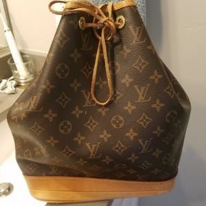 Louis Vuitton Drawstring In GM size